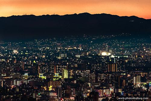 Osaka Cityscape by Night | FE 70-200 f2.8 GM @ 0,4 sec, f8